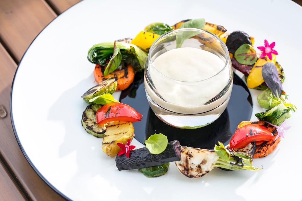 ヒルトン東京お台場のレストラン 農園野菜のグリル バーニャカウダソース