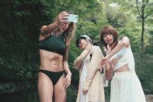 「男の知らないSNS女子の生態」篇(出演:栗原ジャスティーン・千代美幸・池田理菜)