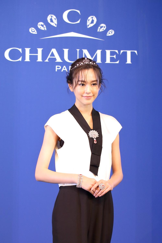 女優・桐谷美玲さんが、「ショーメ 時空を超える宝飾芸術の世界」展 オープニングイベントに登場