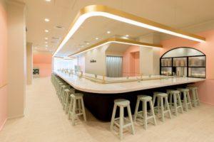 回転スイーツカフェ「MAISON ABLE Cafe Ron Ron」