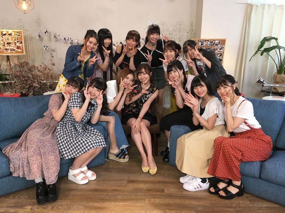 「インスタ映え100枚チャレンジ旅」(MCは須田亜香里)集合写真