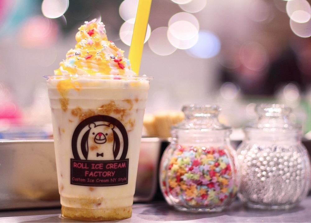 タピオカドリンク @人気ロールアイスクリーム専門店「ROLL ICE CREAM FACTORY(ロールアイスクリームファクトリー)」
