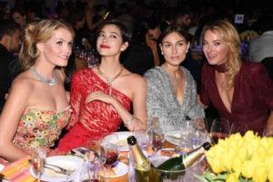 森星(モデル)、ブルガリを纏って、ミラノファッションウィーク期間中にチャリティ・ガラに登場