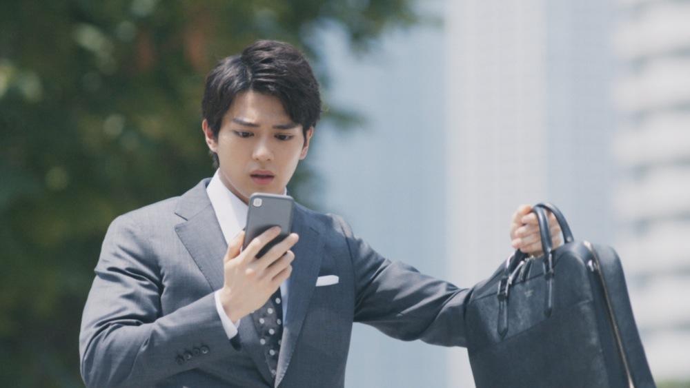 新田真剣佑(俳優)(マイナビウェディングCM)