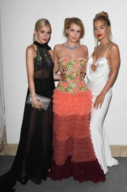 ブルガリを纏って、ミラノファッションウィーク期間中にチャリティ・ガラに登場したセレブリティ