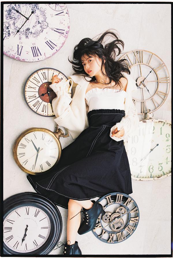 齋藤飛鳥(乃木坂46)、ファンタジーな世界観で「bis」2018年11月号