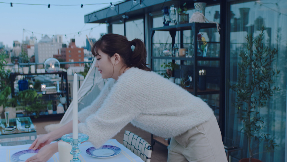 川口春奈(女優)『ライトオン40周年 冬の光篇』新CM