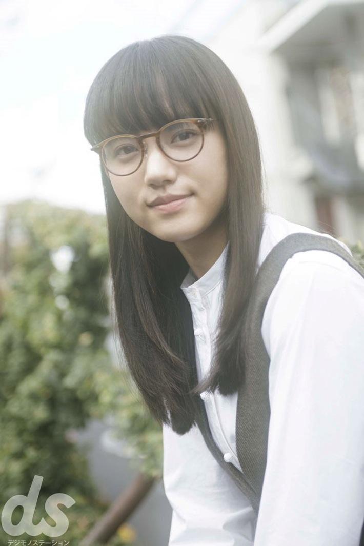 清原果耶(女優)、メガネ姿
