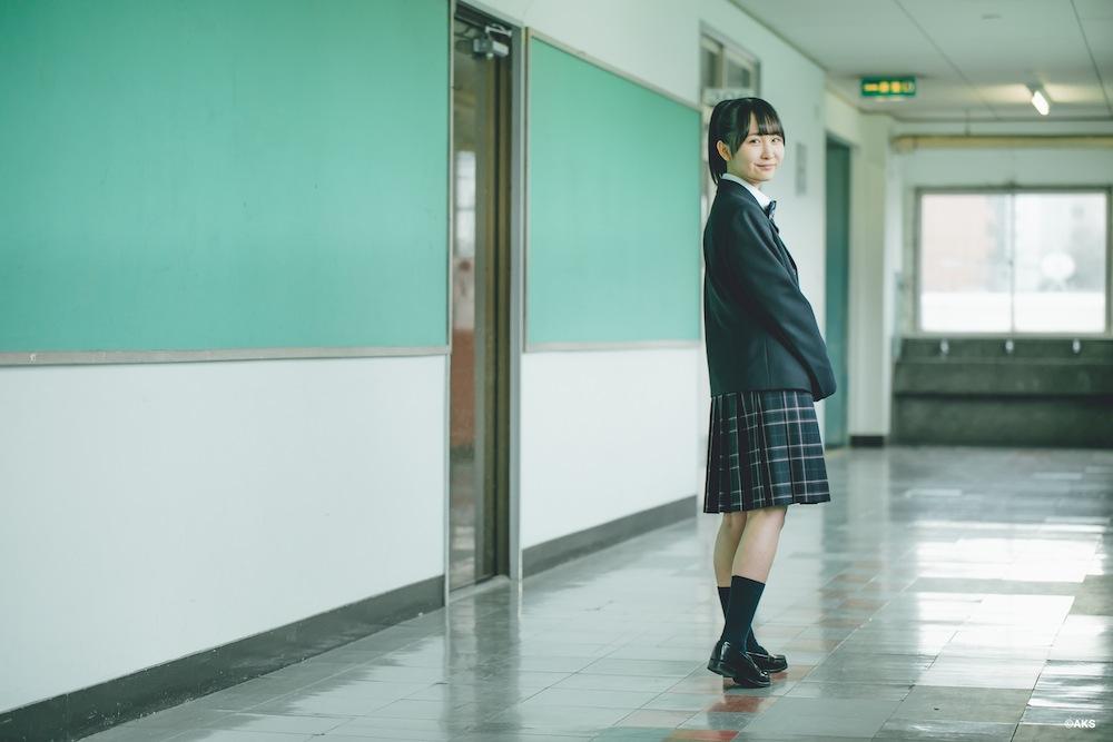 山邊歩夢(AKB48)/鹿児島県立指宿高校で採用された、オサレカンパニーの学校制服ブランド「O.C.S.D.」新制服着用。