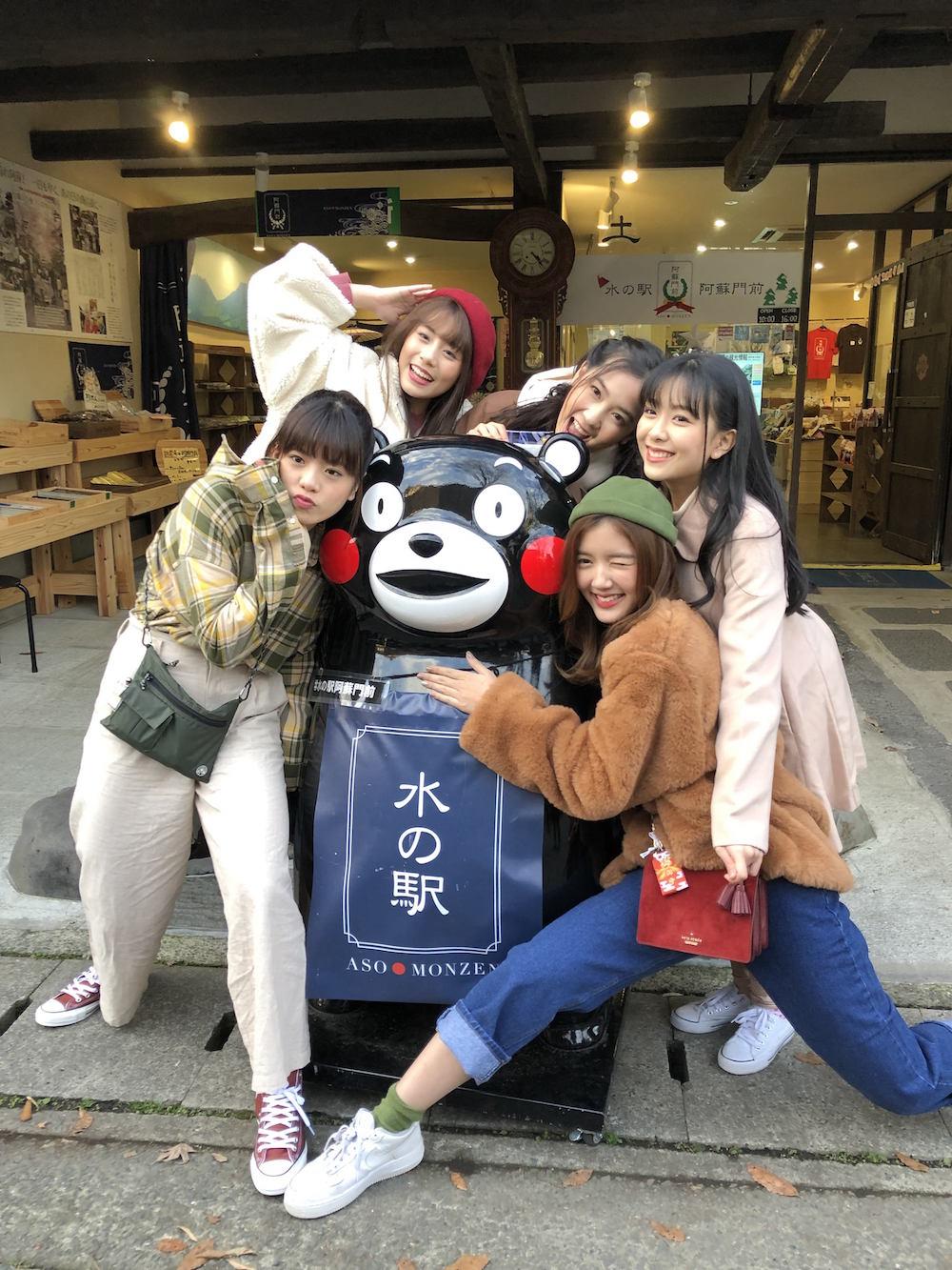 タイの国民的アイドルグループ・BNK48 メンバー/門前町商店街でのロケ撮影の模様