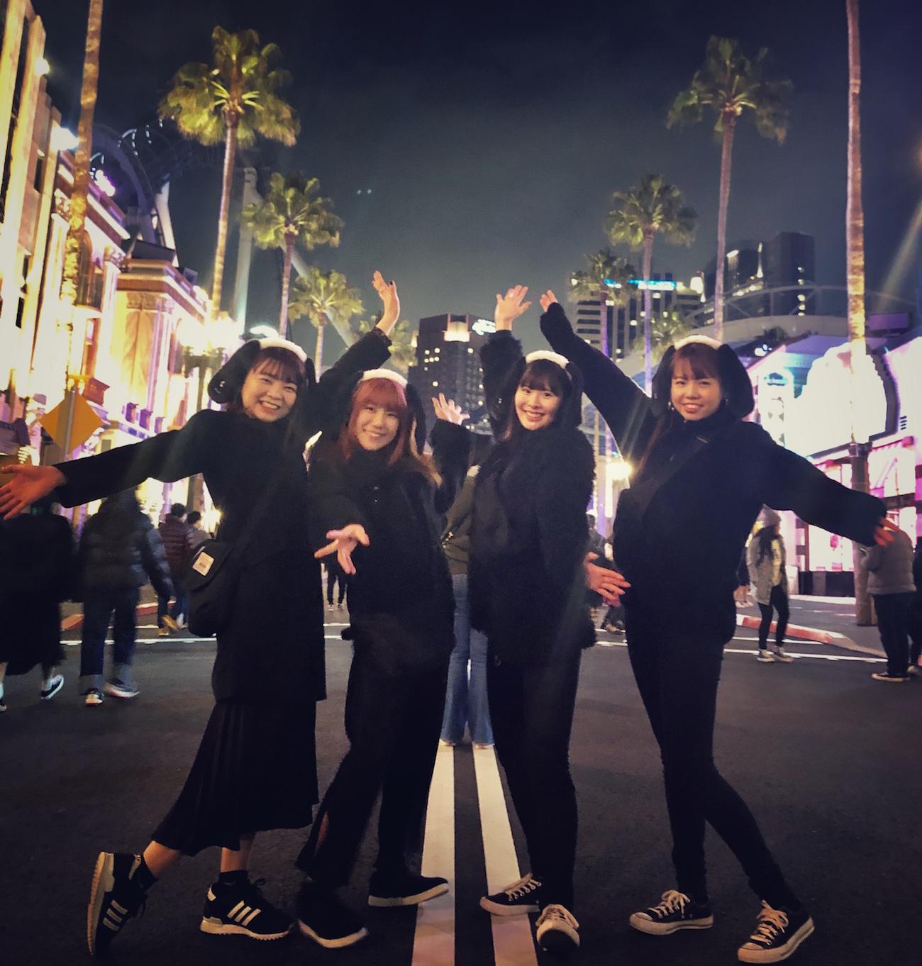茨城県20代女性、ハリウッド大通りでおソロポーズ (ユニバーサル・スタジオ・ジャパンにて、夜の貸切パークがフォト・スタジオ化)