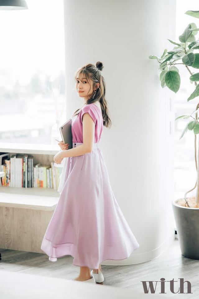 桜井玲香「乃木坂OLプロジェクト」with8月号