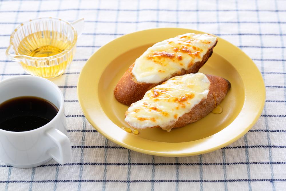 ヨーグルトとチーズのスイーツトースト