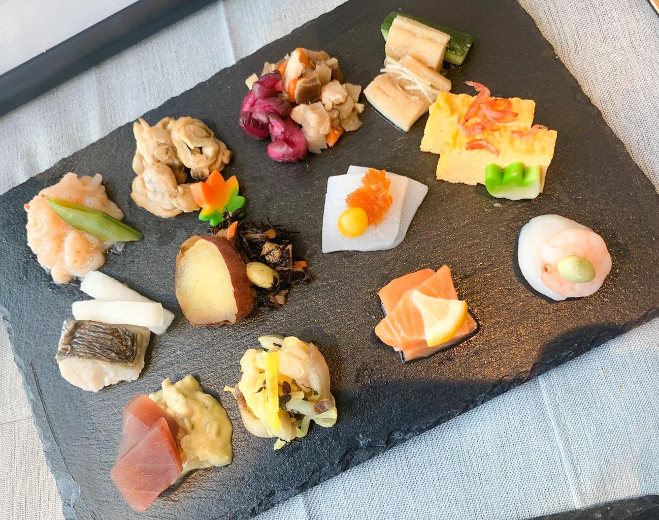 「12種類おばんざいプレート」:体験型Dining「和色 ‐WASHOKU- 」の先行試食会にて(2019年11月18日:PRINCESS ONLINE編集部)