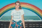 Celine Farach(セリーヌ・ファラッチ)、江ノ島にオープンした「FEEL ALOHA Cafe」インスタ映えスポットで記念撮影!